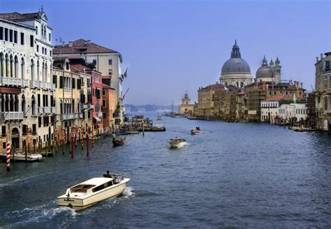 Top 7 Reasons To Take A Venice Water Taxi Select Italy
