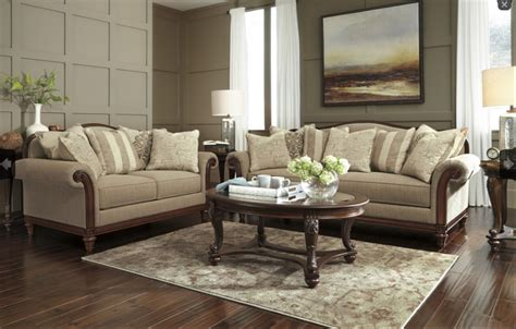 ways  revamp  living room   budget price busters