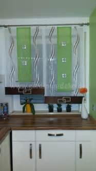 küche gardinen stufenvorhang mit dekorativen elementen für die küche http www gardinen deko de