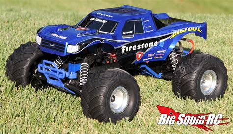 new bigfoot monster truck unboxing traxxas bigfoot monster truck big squid rc