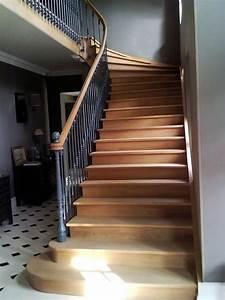 Marche D Escalier En Chene : tr s bel escalier en bois de style ancien avec marches d bordantes en ch ne rambarde en fer ~ Melissatoandfro.com Idées de Décoration