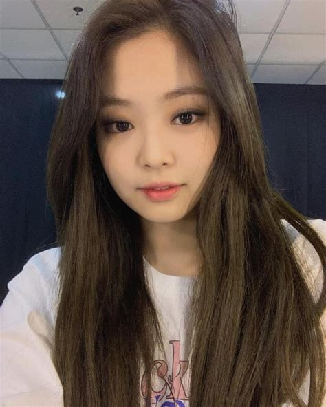It looks real because in this app can add real time shadow, you can adjust the shadow to make. BLACKPINK Jennie Instagram and Insta Story Update ...