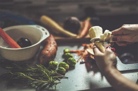 comment cuisiner le cresson comment cuisiner fanes épluchures de légumes et carcasses