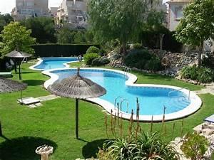 maison meublee de 3 chambres avec jardin piscine With photo de jardin avec piscine