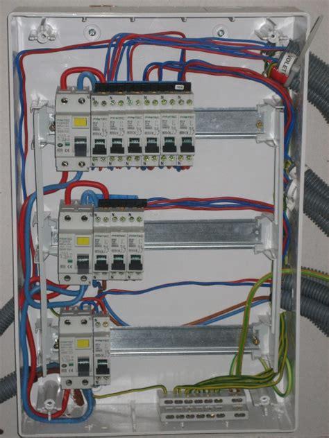 branchement electrique cuisine problème branchement électrique sens interrupteur