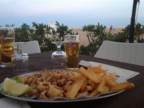 pizzeria al gabbiano calamari e patatine in riva al mare picture of