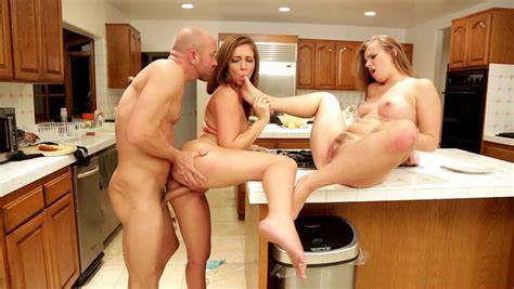 Maddy Oreilly Controls His Creampie With Bare Foots