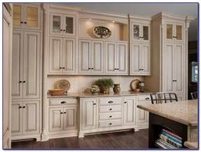 kitchen cabinet handles ideas 20 cabinets with hardware kitchen cabinet hardware for oak white kitchen design ideas