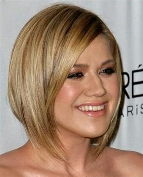 short haircuts trend october