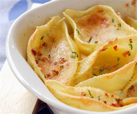 conchiglionis gratin 233 s au chorizo recette du chef cyril lignac