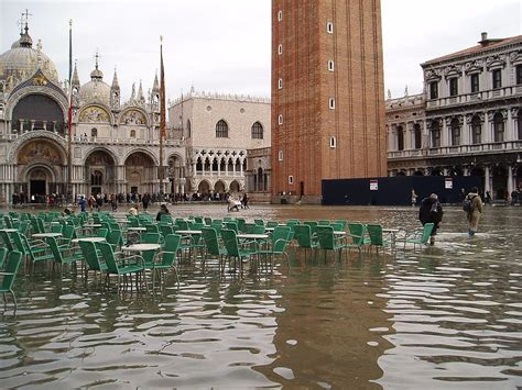 Is Venice Really Sinking A History Of The Citys Floods
