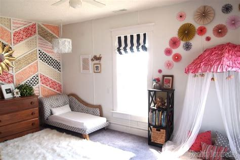 adorable toddler girl bedroom ideas   budget kid