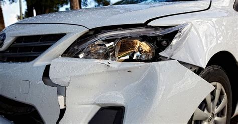 norme si e auto b auto con incidente chi compra va avvisato anche se