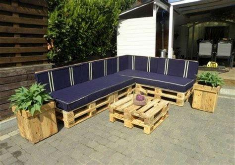 FOTO: Paštaisītas mēbeles no koka paletēm - Noderēs.lv