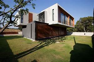 Contemporary W House Designed by IDIN Architects