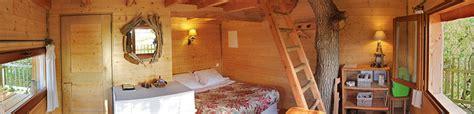 chambres dans les arbres accueil chambre d 39 hôtes cabane perchée cabane dans les