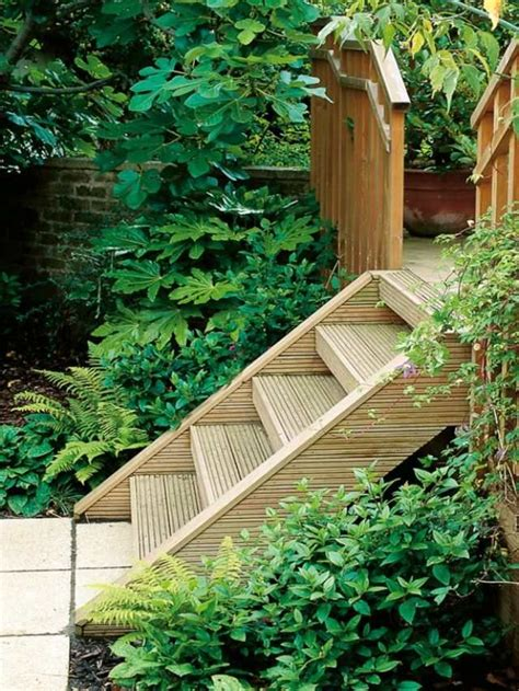 Gartentreppe Gestalten by Holztreppe Bauen Im Garten Kieswege Gestalten Garden