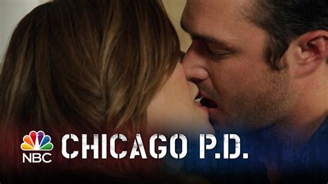 med si鑒e chicago pd lindsay and severide episode highlight