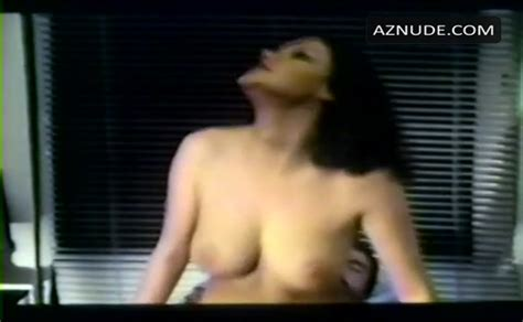 Annie Jouzier  nackt