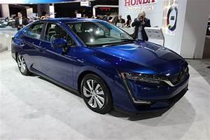 Honda Hybride 2017 : new york 2017 honda d voile la clarity hybride enfichable et la clarity tout lectrique ~ Dode.kayakingforconservation.com Idées de Décoration