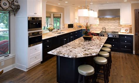 20 Kitchens With Stylish, Two-tone Cabinets Free Kitchen Cabinet Design Software Craftsman Cabinets Backsplash For Cheap Island Base Facelift Ideas End Shelves Reviews On Ikea