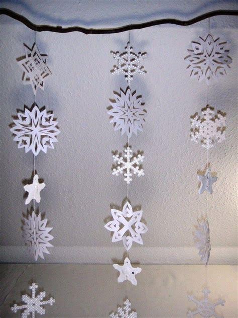 Fenster Deko Holz Weihnachten by Schneeflocken Fenster Dekoration Ideen Schule Basteln