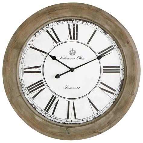 horloge maison du monde horloge en bois blanchi d 74 cm chalet maisons du monde