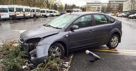 bellend crashed  ford focus  warwick