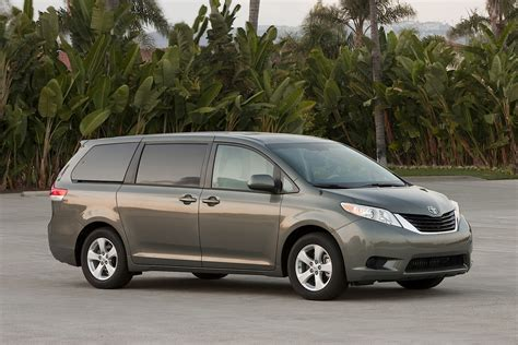 Minivans With Awd by 2014 Toyota Remains The Only Awd Family