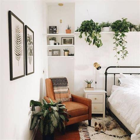 Real Sheepskin Rug by Best 25 Retro Bedrooms Ideas On Pinterest