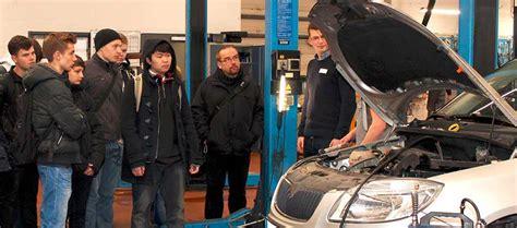 coole jobs bei koch schueler checken arbeit im autohaus