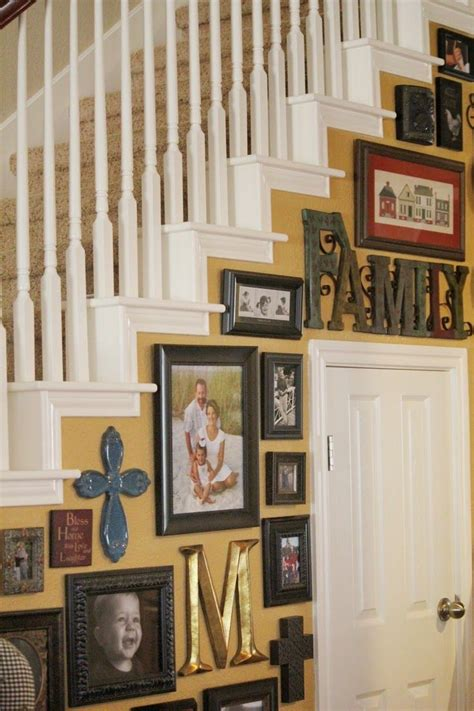 Decorating Ideas For The Walls by Staircase Wall Decorating Ideas Staircase Wall