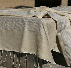 grande fouta tissee a la main en lin naturel une matiere With tapis kilim avec plaid pour canapé bz