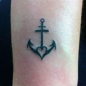 Tattoo Hoffnung Symbol : m rite d tre cit small tattoos faith faith hope love tattoo tetov n pinterest ~ Frokenaadalensverden.com Haus und Dekorationen