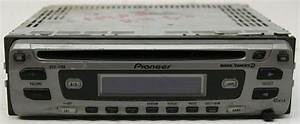 Pioneer Deh-1700 Aftermarket Used 45 Watts X 4 Cd Player Radio Rca Preouts