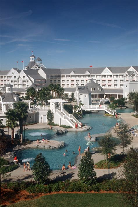 Yacht Club by Disney S Yacht Club Resort Magical Distractions