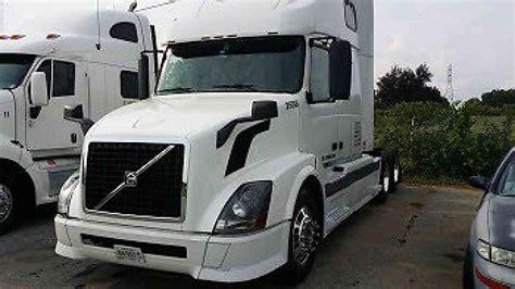 volvo heavy volvo vnl670 2005 sleeper semi trucks