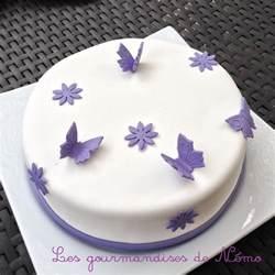 gateau simple pate a sucre gateau theme papillons et
