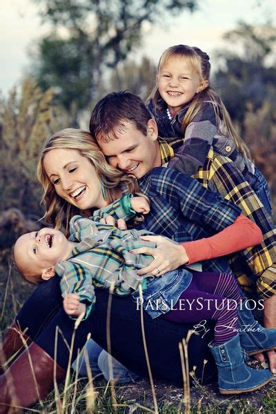 family picture pose ideas   children capturing joy