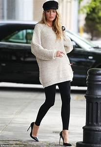 Celebrities in Leggings: Blake Lively in Leggings