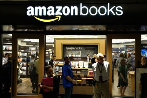amazons nyc bookstore transposes digital conventions
