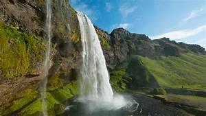 Seljalandsfoss ... Waterfall