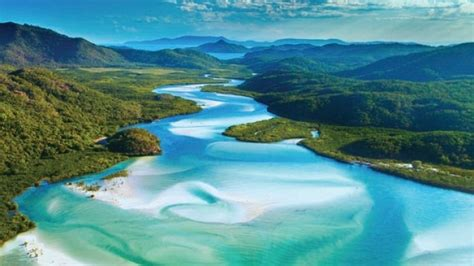 whitehaven beach isole whitsunday tourism australia