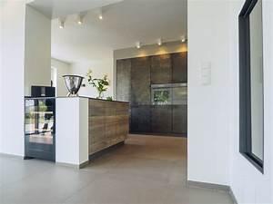 Keramik Arbeitsplatte Erfahrung : design k che exklusiv mit design holzfronten sonnenverbrannt in kombination mit stahl und ~ Watch28wear.com Haus und Dekorationen