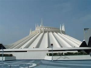 Space Mountain (Disneyland) - Wikipedia