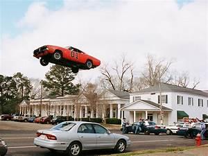 Auto Jmp : 1969 dodge charger general lee from the dukes of hazzard movie jump police cars ~ Gottalentnigeria.com Avis de Voitures