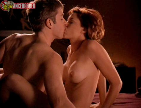 Kari Wuhrer Nue Dans Sex And The Other Man