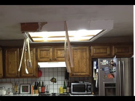 kitchen light box how to remove fluorescent ceiling light box 2141