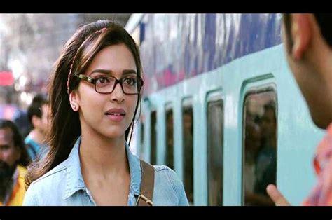 फ़्लर्टिंग के अनूठे रूल्स Shy Girls Guide To Flirting फेमिना हिन्दी