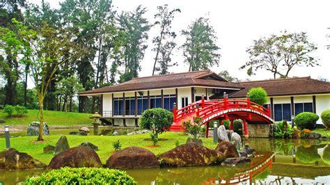 chinese  japanese gardens singapore  steps